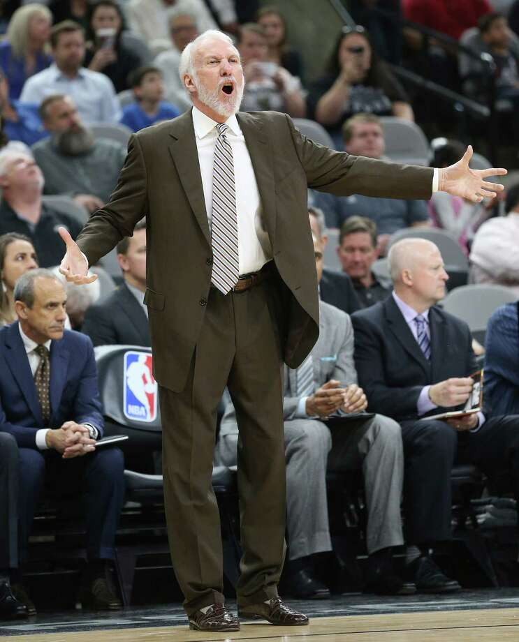 Gregg Popovich protests a call as the Spur hosts the Pistons on March 2, 2016. Photo: TOM REEL,  STAFF / SAN ANTONIO EXPRESS-NEWS / 2016 SAN ANTONIO EXPRESS-NEWS