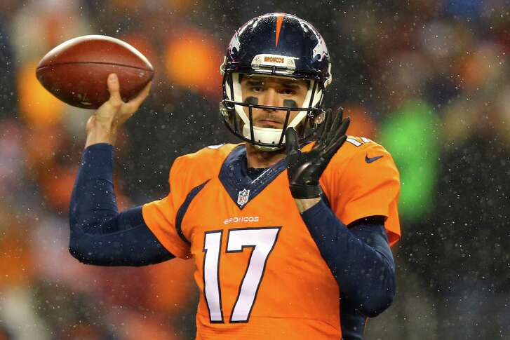DENVER, CO - NOVEMBER 29: Quarterback Brock Osweiler #17 of the Denver Broncos passes the ball against the New England Patriots at Sports Authority Field at Mile High on November 29, 2015 in Denver, Colorado. (Photo by Justin Edmonds/Getty Images)