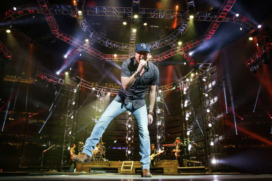 Cole Swindell's earnest style and tried-and-true country hits won over the crowd Saturday during the Houston Livestock Show and Rodeo at NRG Stadium. Photo: Michael Ciaglo, Staff / © 2016  Houston Chronicle