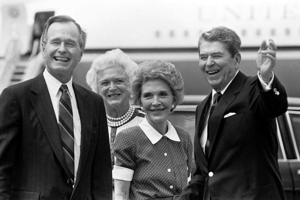 Nine presidents Americans love electing left-handed presidents. Lefty presidents include Thomas Jefferson, James Garfield, Herbert Hoover, Harry Truman, Gerald Ford, Ronald Reagan, George H.W. Bush, Bill Clinton and Barack Obama.