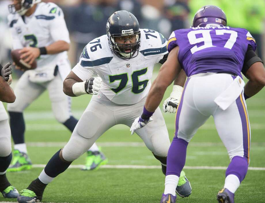 MINNEAPOLIS, MN - DECEMBER 6: Russell Okung #76 of the Seattle Seahawks blocks during an NFL game against the Minnesota Vikings at TCF Bank Stadium December 6, 2015 in Minneapolis, Minnesota. Photo: Tom Dahlin, Getty Images / 2015 Tom Dahlin