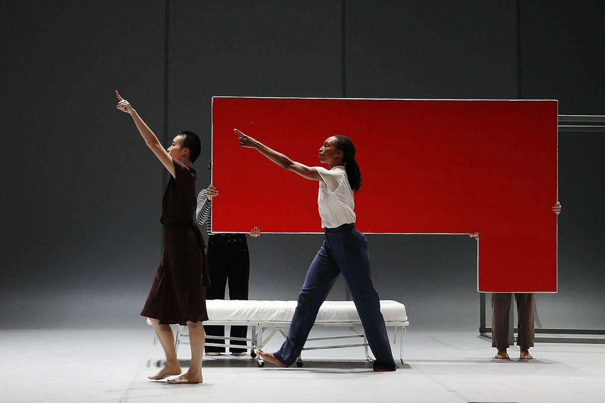 I-Ling Liu and Shayla-Vie Jenkins of the Bill T. Jones/Arnie Zane Dance Company in the West Coast premiere of Jones'