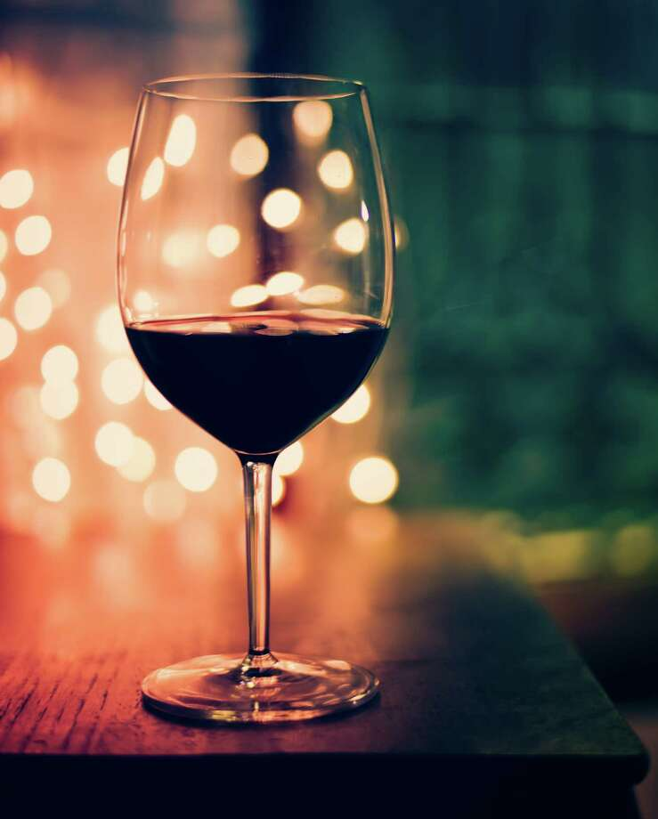 Glass of red wine Photo: Angela Lumsden / Flickr RF