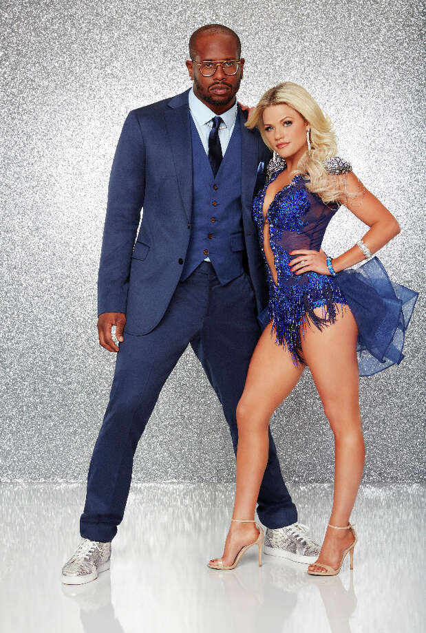 """DANCING WITH THE STARS - VON MILLER AND WITNEY CARSON - The stars grace the ballroom floor for the first time on live national television with their professional partners during the two-hour season premiere of """"Dancing with the Stars,"""" which airs MONDAY, MARCH 21 (8:00-10:01 p.m., ET) on the ABC Television Network. (ABC/Craig Sjodin) Photo: Craig Sjodin, ABC"""