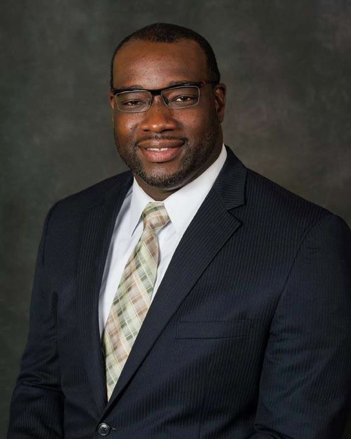 Kelvin Williams is seeking election to Pearland ISD's Position 7.