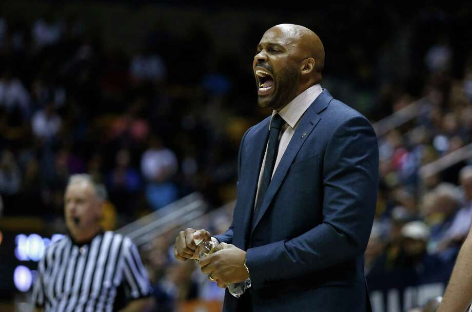 Head coach Cuonzo Martin of the California Golden Bears  shouts to his team during their game against the St. Mary's Gaels at Haas Pavilion on December 12, 2015 in Berkeley, California.  (Photo by Ezra Shaw/Getty Images) Photo: Ezra Shaw / Getty Images / 2015 Getty Images