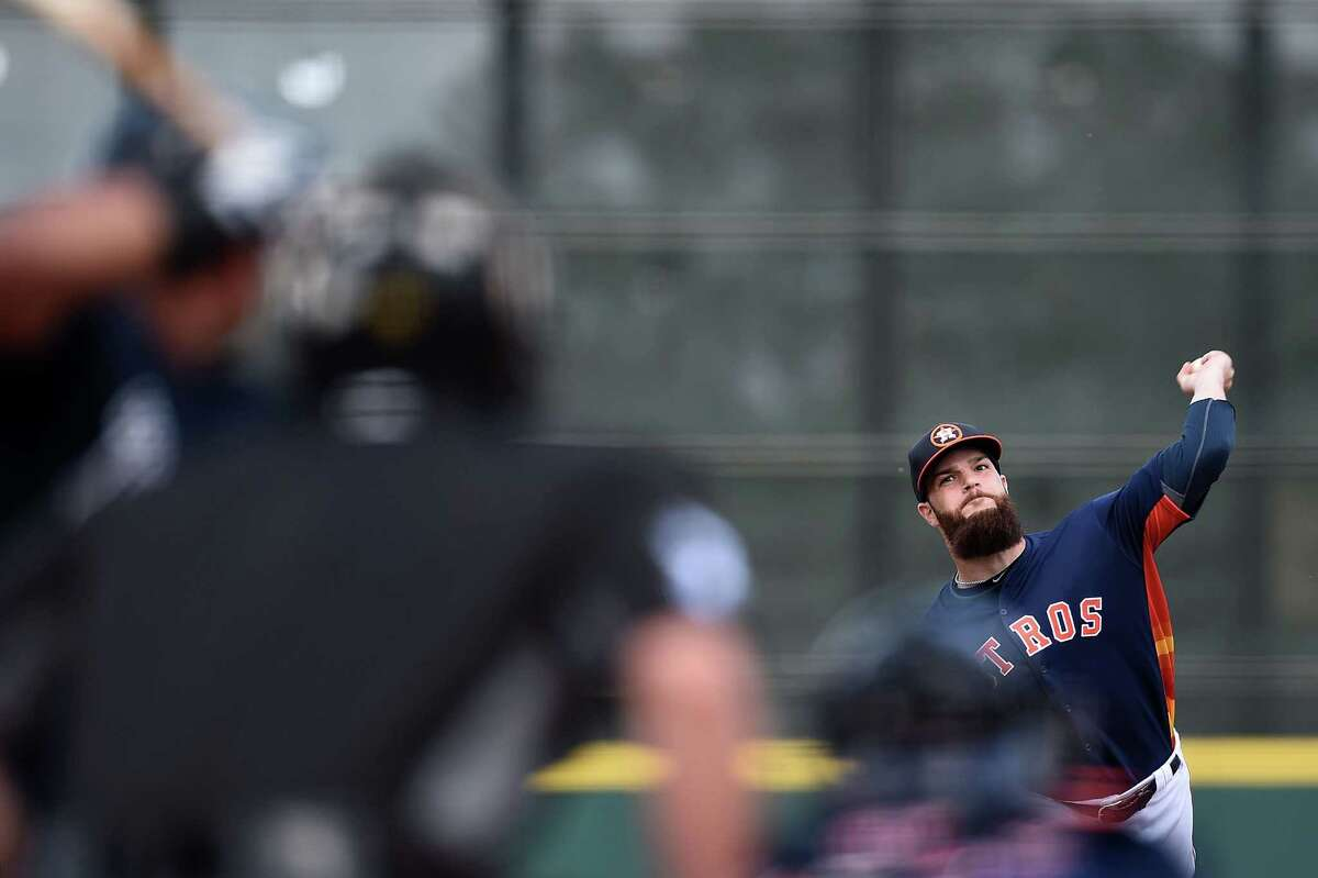 KISSIMMEE, FL - MARCH 09: Dallas Keuchel #60 of the Houston Astros throws a pitch during the second inning of a spring training game against the Atlanta Braves at Osceola County Stadium on March 9, 2016 in Kissimmee, Florida.