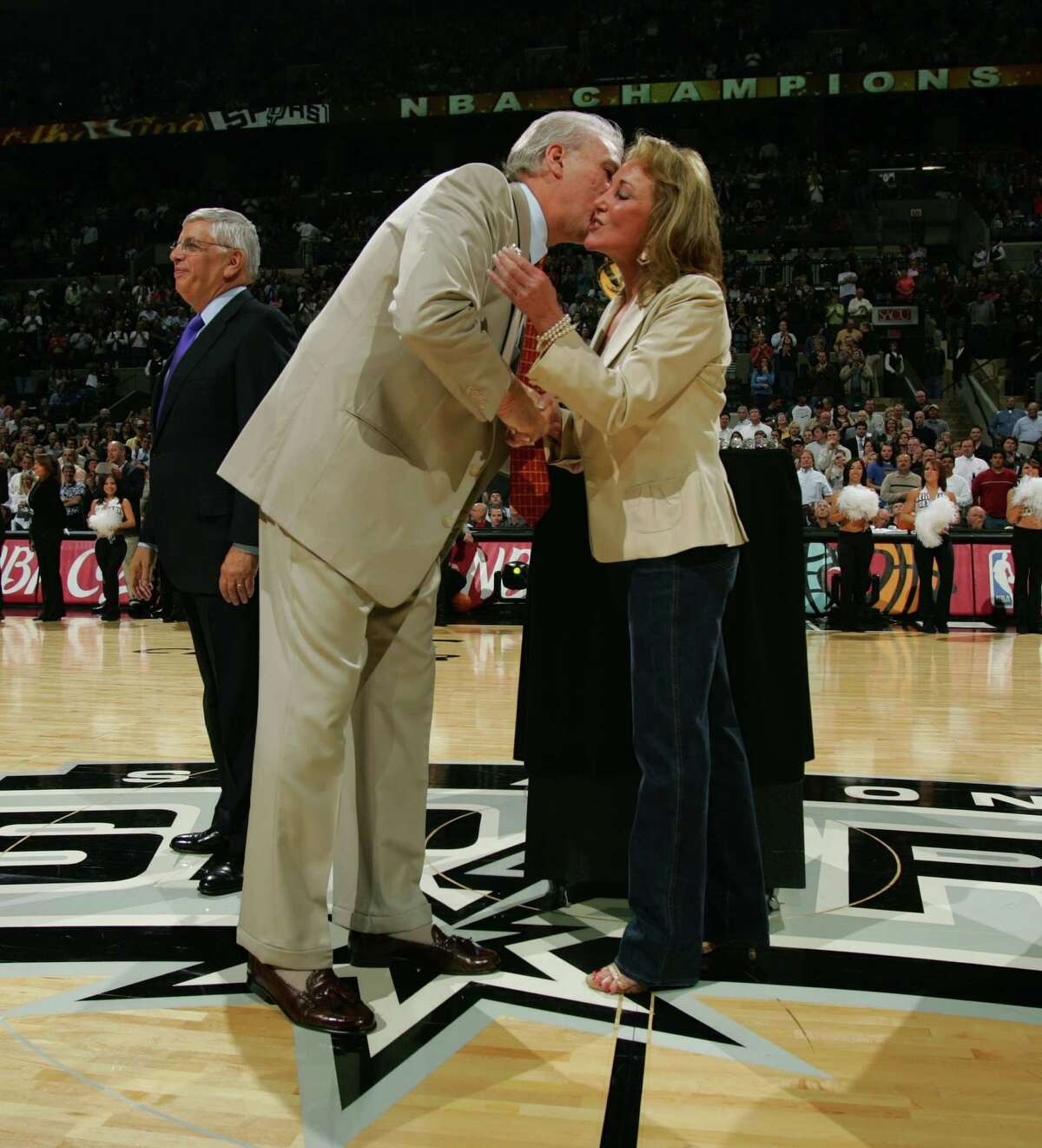 Julianna Hawn Holt (right) Holt is the Chairwoman and CEO of Spurs & Sports Entertainment. She took over the positions after Peter Holt retired in March 2016.
