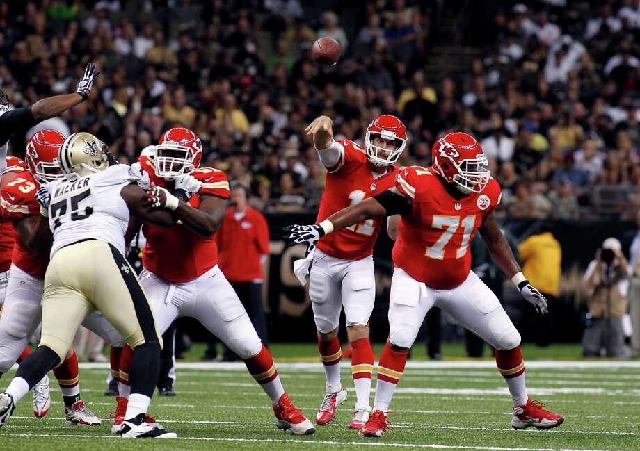 Jeff Allen (71) should step in for the departed Brandon Brooks at guard after spending the first four years of his NFL career with the Chiefs. Photo: Jonathan Bachman, FRE / FR170615 AP