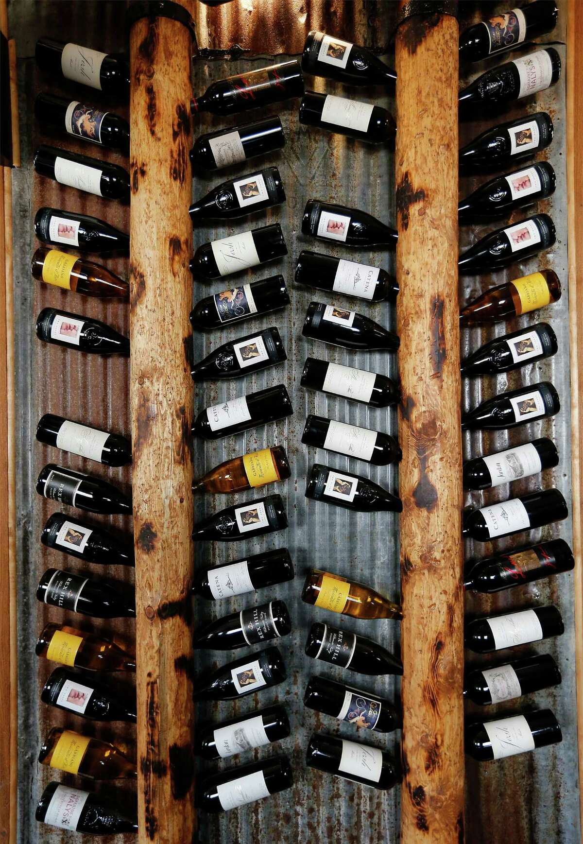 Even the wine bottles are arranged cleverly at Grayze.
