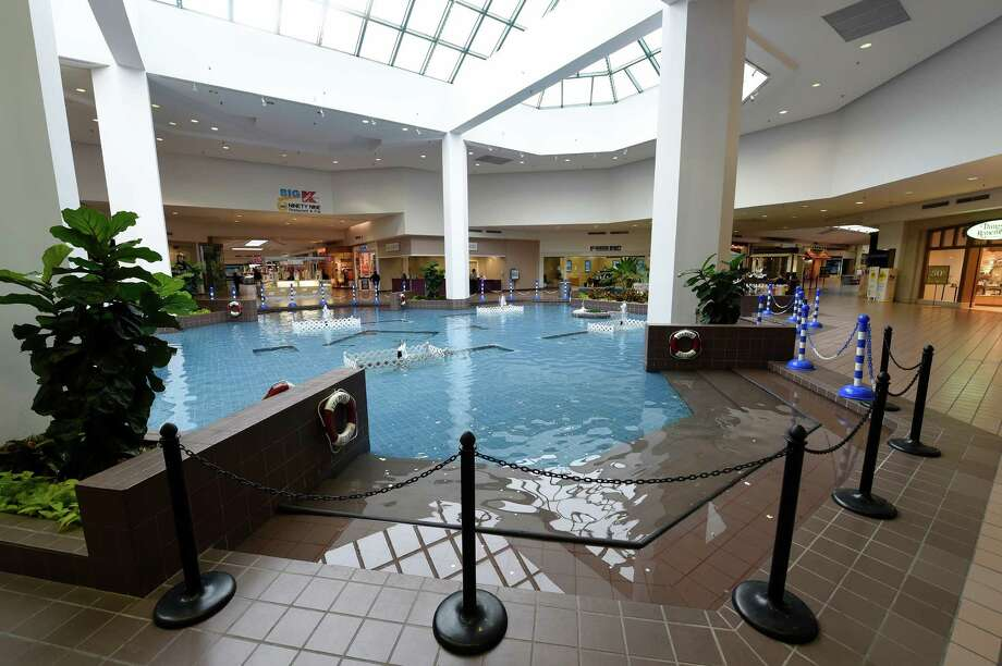new photos rotterdam mall adds entertainment spaces