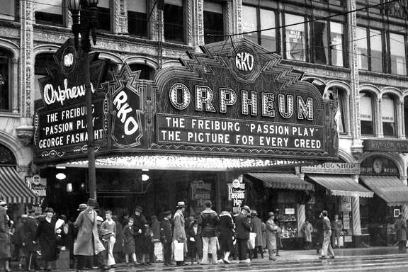 Orpheum Theater, San Francisco, photo dated December 19,   1932.