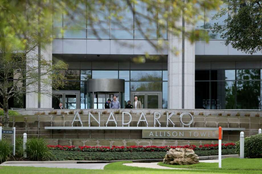 Oil company Anadarko Petroleum Corp. announced it was laying off 17 percent of its workforce. The Woodlands-based oil explorer and producer has long been considered a safe harbor, avoiding layoffs for more than a year and a half as oil prices collapsed. Photo: Gary Coronado /Houston Chronicle / © 2015 Houston Chronicle