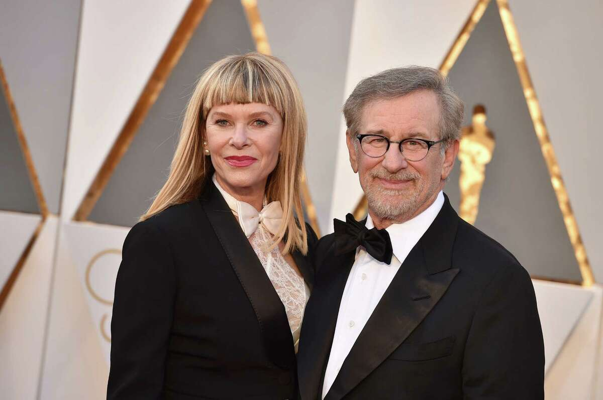 Kate Capshaw, left, and Steven Spielberg arrive at the Oscars on Sunday, Feb. 28, 2016, at the Dolby Theatre in Los Angeles. (Photo by Jordan Strauss/Invision/AP) ORG XMIT: CACJ317
