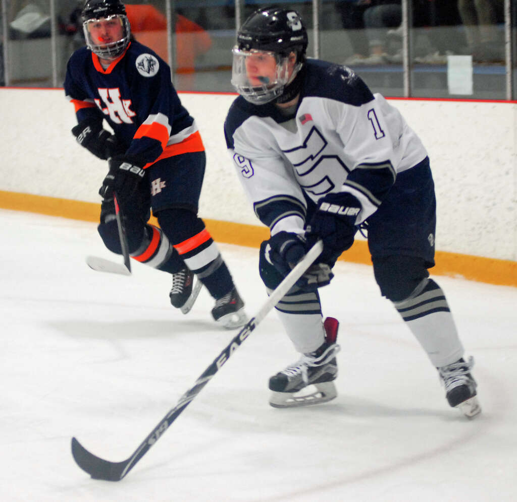 Staples Weston Shelton hockey advances to D3 semifinals Westport