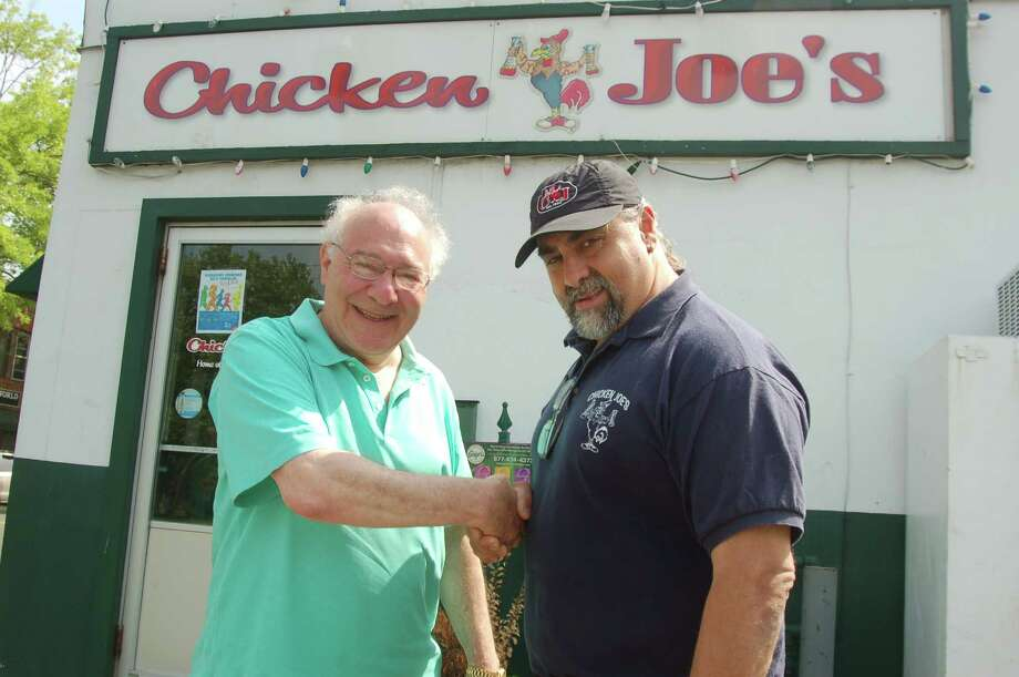 Joe Kaliko and Joe Marini, seen here last year, are teaming up tonight for a pizza night fundraiser for several local charities. Photo: / Ken Borsuk