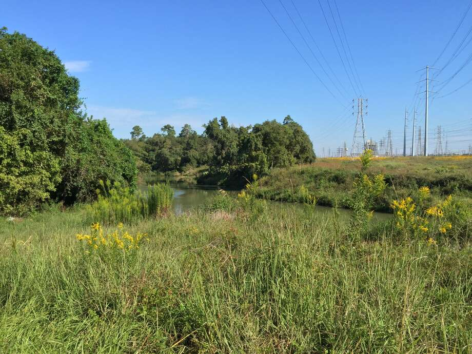 Utility corridors: home to the next generation of Houston trails? Photo: Houston Parks Board