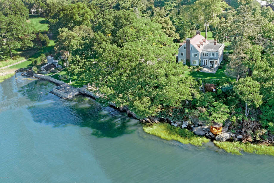 46 Byram Drive is the sale of the week. It is on 1.42 acres of the prestigious Belle Haven peninsula with 375 feet of shoreline. Photo: Daniel Milstein Photography / ONLINE_CHECK
