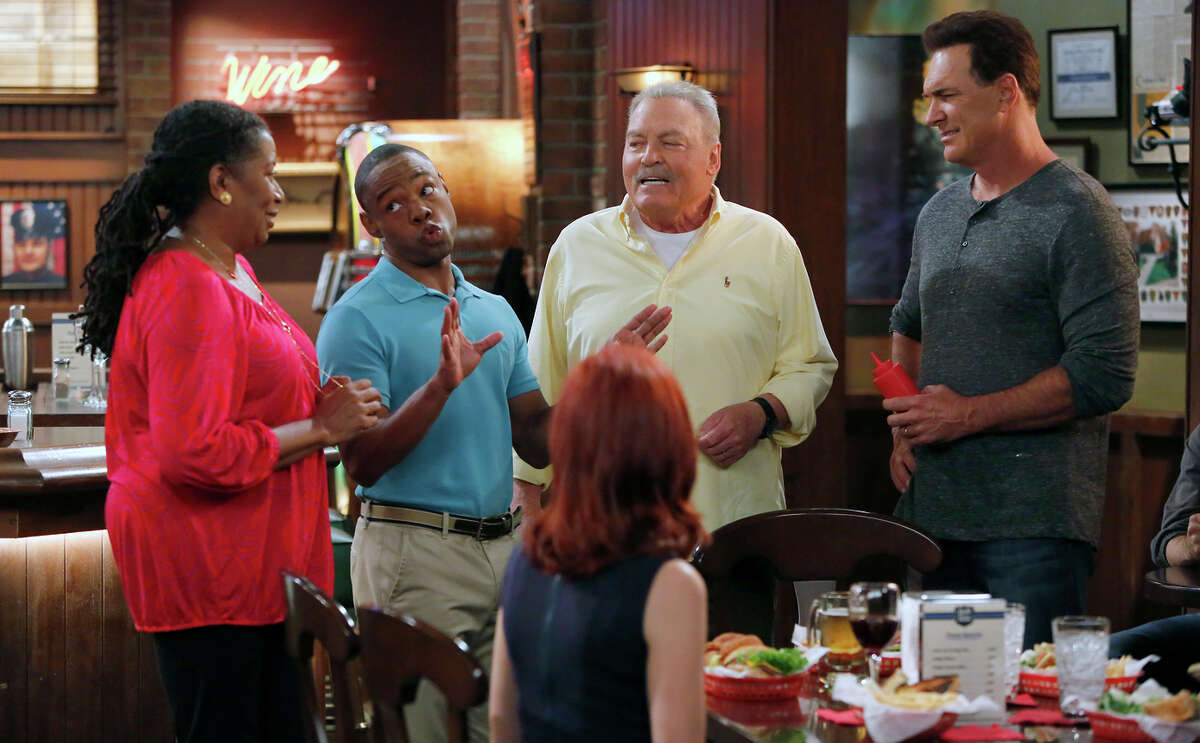 """Alice (Carlease Burke, left), Ethan (Clifford Mc Ghee), Martina (Carrie Preston), Bob (Stacy Keach) and Mike (Patrick War burton) warm up by """"Crowded's"""" third episode."""