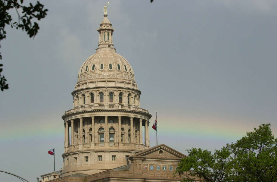 Texas lawmakers would do major damage to the state's economy — and particularly cities such as San Antonio — by passing a North Carolina-style bathroom bill. Allowing transgender people to use the bathroom of their choice is a non-issue. Photo: JOE CAVARETTA /EXPRESS-NEWS FILE PHOTO / SAN ANTONIO EXPRESS-NEWS