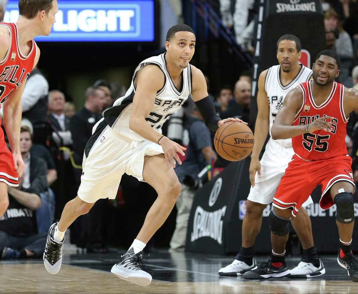 New Spur Kevin Martin brings the ball up as the Spurs host Chicago at the AT&T Center on March 10, New Spur Kevin Martin brings the ball up as 2016.