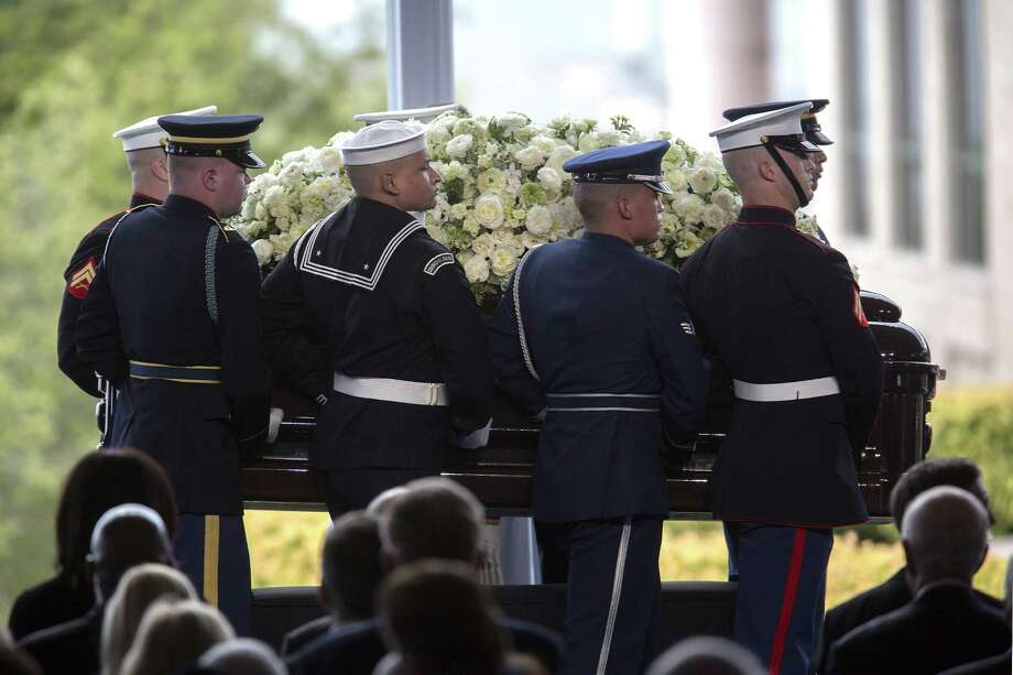 SIMI VALLEY, CA - MARCH 11:  Pallbearers arrive carrying the casket of former first lady Nancy Reagan during funeral and burial services at the Ronald Reagan Presidential Library on March 11, 2016 in Simi Valley, California. The first lady is being buried at the library next to her husband, who died on June 5, 2004. Nancy Reagan died of heart failure at the age of 94. (Photo by David McNew/Getty Images) Photo: David McNew, Stringer / 2016 Getty Images