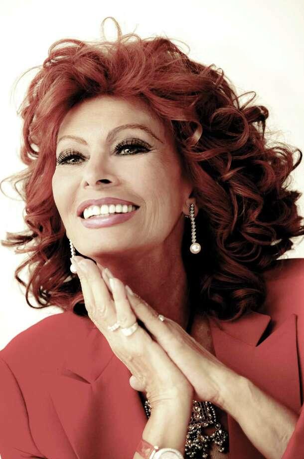 2003, Hollywood, Los Angeles, California, USA --- Sophia Loren --- Image by c. Armando Gallo/Corbis ORG XMIT: 59698172 Photo: Armando Gallo / © Corbis.  All Rights Reserved.
