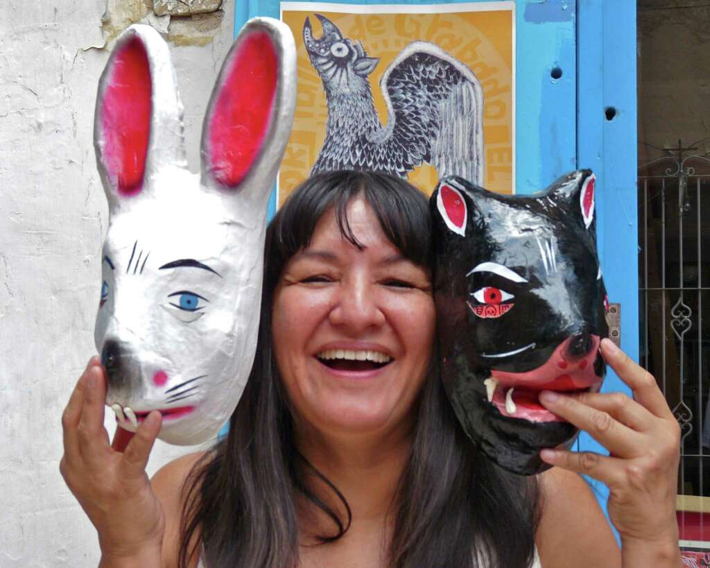 sandra cisneros returns to s a for reading san antonio express news sandra cisneros has made a new home in san miguel de allende photo