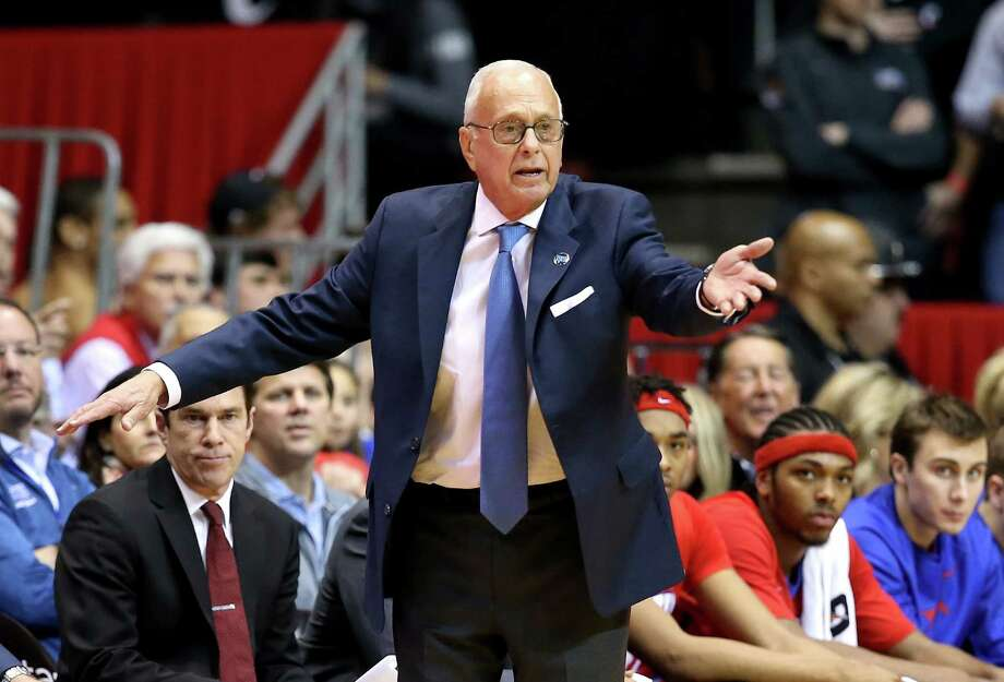 CINCINNATI, OH - MARCH 06:  Larry Brown the head coach of the SMU Mustangs gives instructions to his team during the game against the Cincinnati Bearcats at Fifth Third Arena on March 6, 2016 in Cincinnati, Ohio.  (Photo by Andy Lyons/Getty Images) ORG XMIT: 596747925 Photo: Andy Lyons / 2016 Getty Images