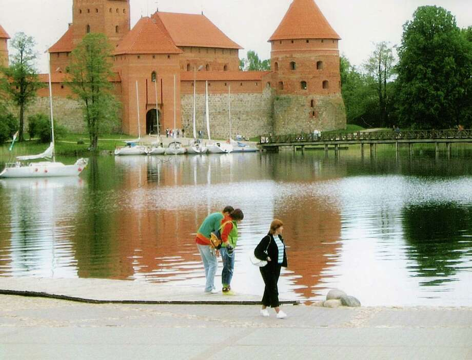 Trakai Island Castle on Lake Galve in Trakia, Lithuania. (Daniel Frinta)  http://www.trakai-visit.lt/en/trakai