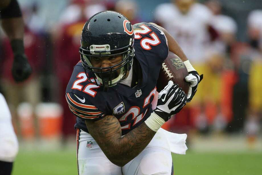 CHICAGO, IL - DECEMBER 13:  Matt Forte #22 of the Chicago Bears runs the ball in the third quarter against the Washington Redskins at Soldier Field on December 13, 2015 in Chicago, Illinois. (Photo by Jonathan Daniel/Getty Images) ORG XMIT: 587449271 Photo: Jonathan Daniel / 2015 Getty Images