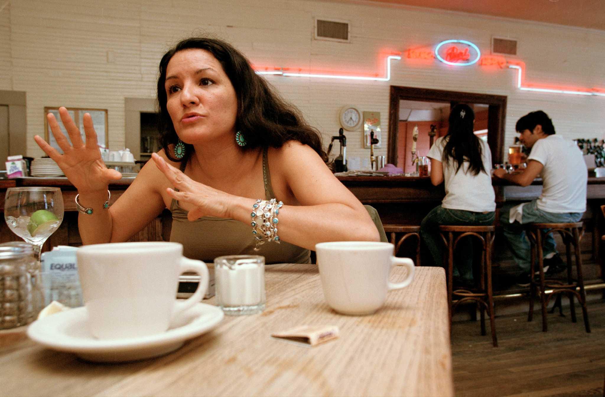 sandra cisneros 10 facts