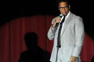 Actor/comedian D.L. Hughley performs his stand-up routine at The Orleans Hotel & Casino August 5, 2011 in Las Vegas, Nevada.  (Photo by Ethan Miller/Getty Images)