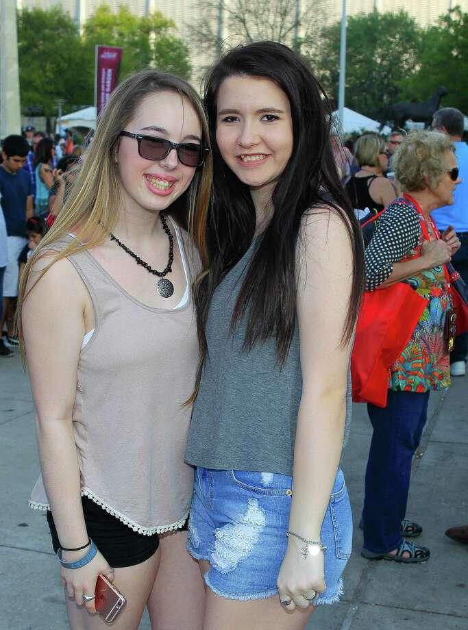 Kid Rock fans at RodeoHouston on Tuesday. Photo: Mark Mulligan, Houston Chronicle / © 2016 Houston Chronicle