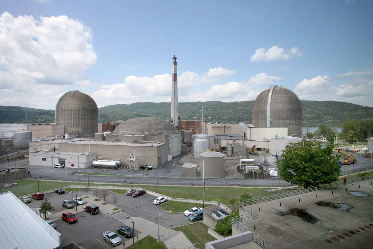 FILE -- Indian Point nuclear plant in Peekskill, N.Y., July 29, 2010. Entergy Corp., which runs the facility north of New York City, said Tuesday that more than 2,000 bolts had been inspected when the Indian Point 2 reactor was shut down. Company officials said more than 200 of the bolts needed further analysis and that some of the bolts on the reactor?s inner liner were missing. (Tony Cenicola/The New York Times)