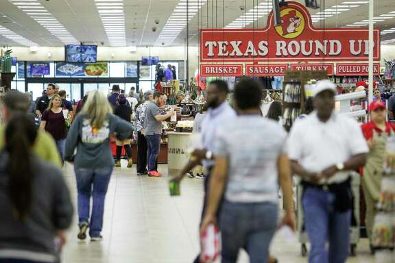 The Buc-ee's in Baytown draws a crowd of shoppers. The chain plans a Katy location under an economic incentive agreement.