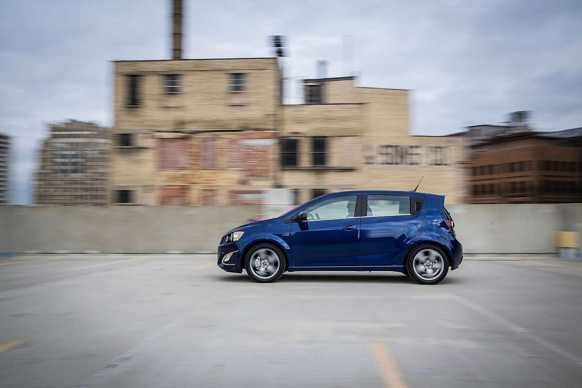 10. 2016 Chevrolet Sonic Fair purchase price: $14,749 - $15,354 EPA estimated city/highway:26/35 MPG KBB rating:8.6 out of 10 Source: Kelley Blue Book