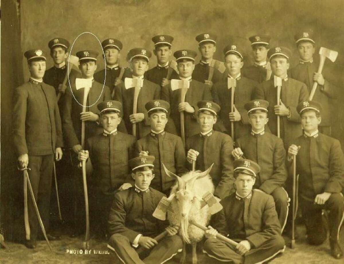 A Woodmen of the World chapter with their goat mascot.
