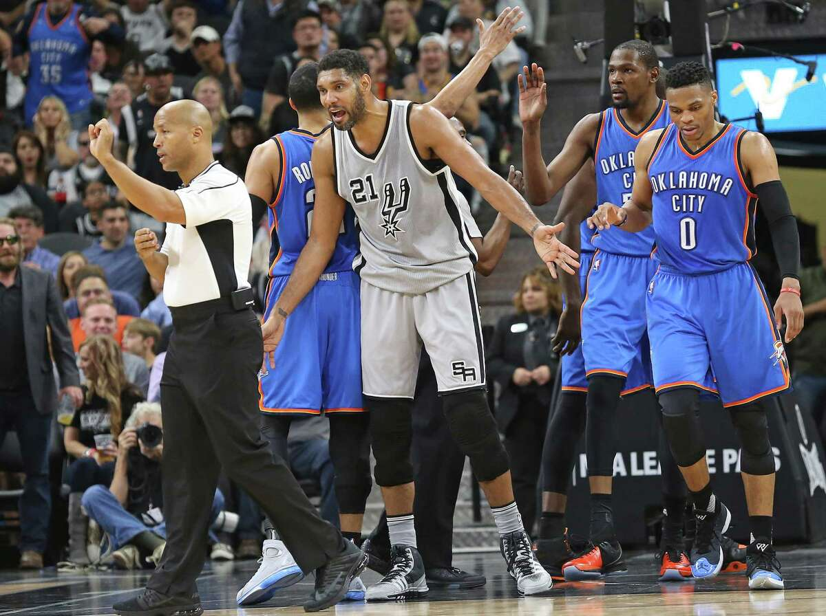 the Spurs host the Thunder at the AT&T Center on March 12, 2016.
