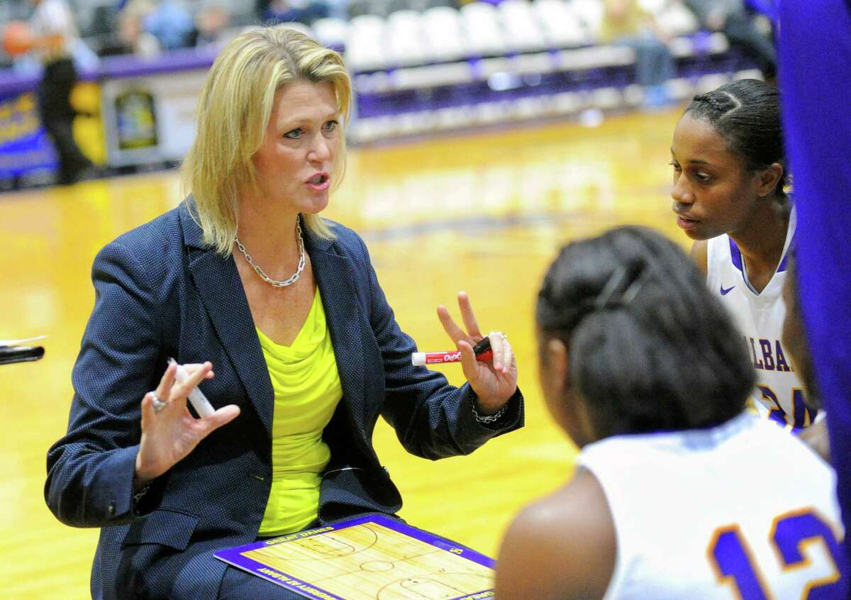 UAlbany head coach Katie Abrahamson-Henderson instructs her players against Pepperdine during the first half of an NCAA women's college basketball game on Sunday, Nov. 15, 2015, in Albany, N.Y. (Hans Pennink / Special to the Times Union) ORG XMIT: HP103