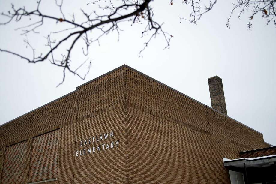 FILE — Eastlawn Elementary. Photo: Daily News File Photo