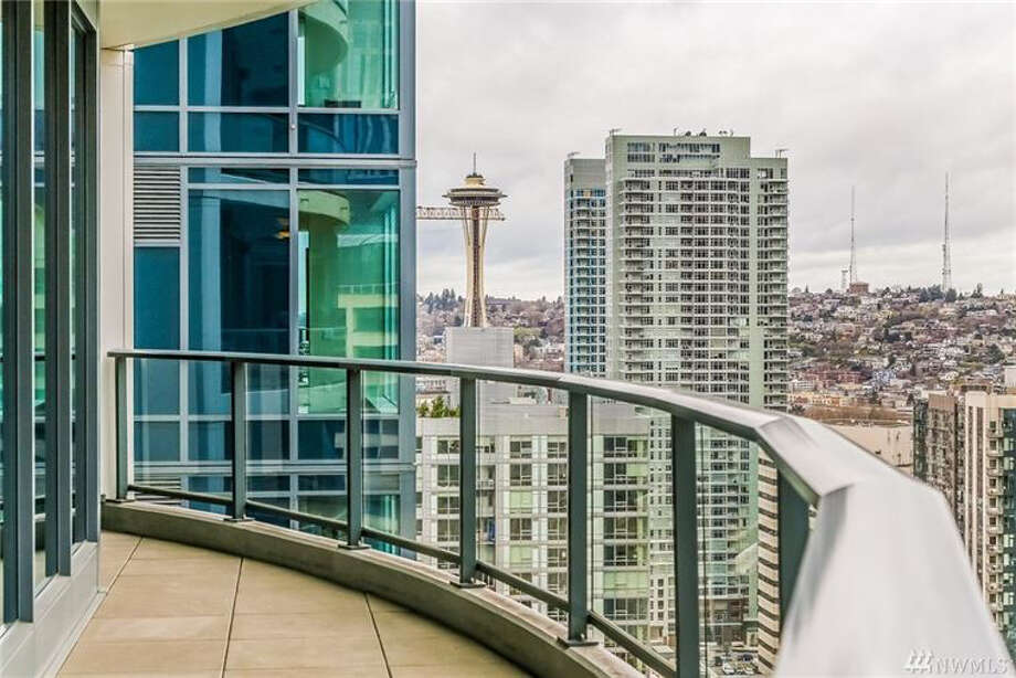 This week's Northwest real estate find brings us to the heart of downtown Seattle and this condo at 1940 Fourth Ave. The full listing is here. Photo: A.J. Canaria/Planomatic Corp / Other