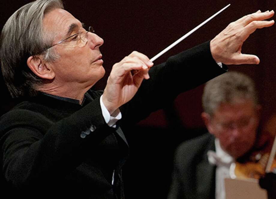 Michael Tilson Thomas conducts Schumann.