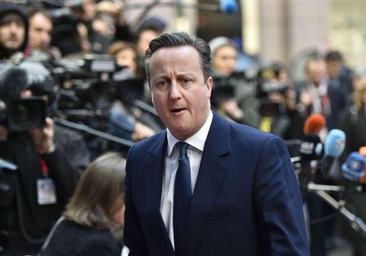 El primer ministro británico, David Cameron, a su llegada a una cumbre europea en la sede del Consejo de la UE en Bruselas, Bélgica, el 19 de febrero de 2016. (Foto AP/Martin Meissner)