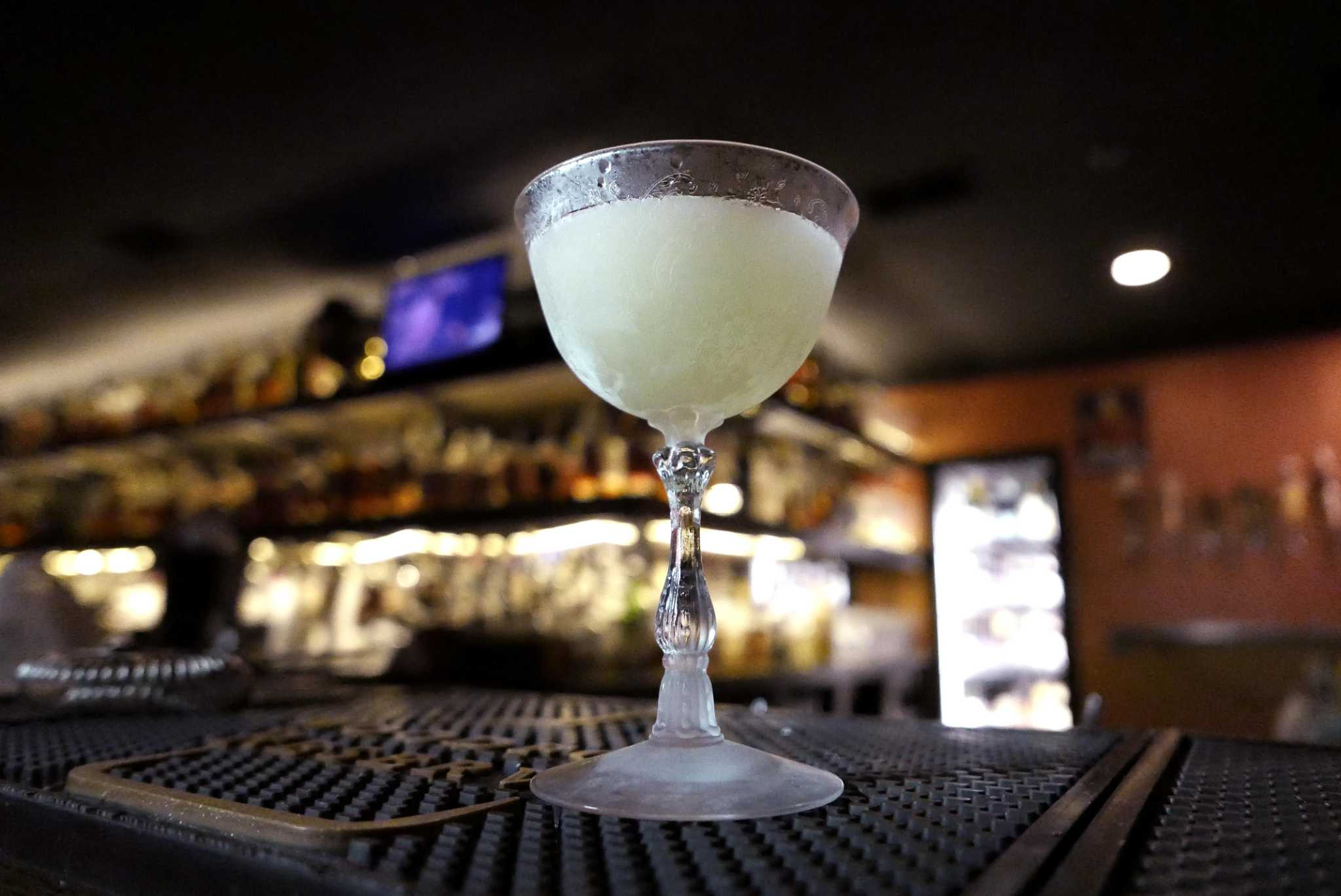 Merveilleux A White Mule Cocktail At Bar 1919.