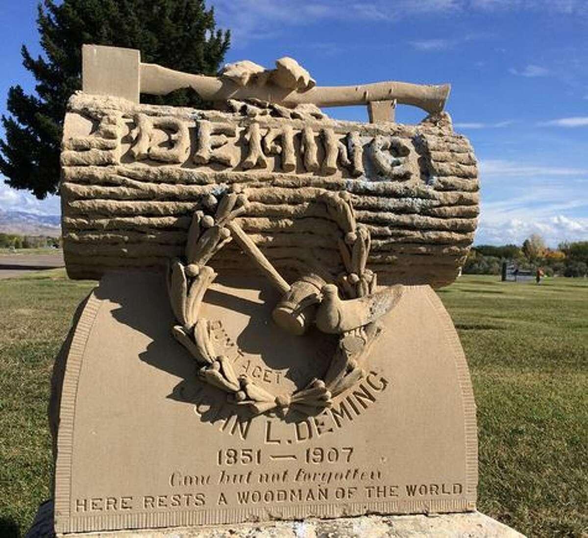 Woodmen of the World gravestone in Vernal, Utah.