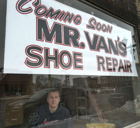 986b814680f869 21-year-old cobbler to reopen shop in Saginaw - Midland Daily News