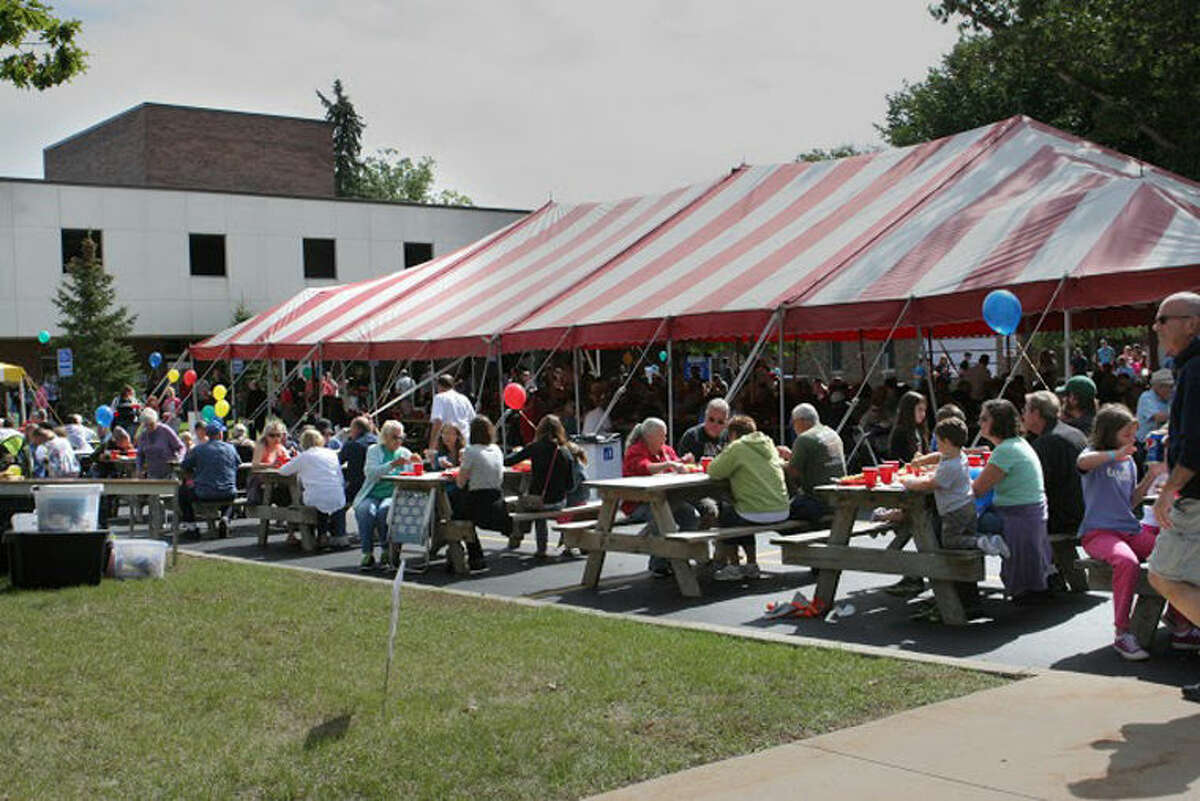 More than 2,200 people attended Mid Michigan Community College's Annual Barbeque and Fall Festival on Sunday.