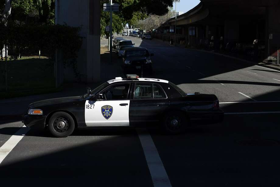 Oakland Police were investigating a Monday night shooting of a 21-year-old man. Photo: Michael Short, Special To The Chronicle