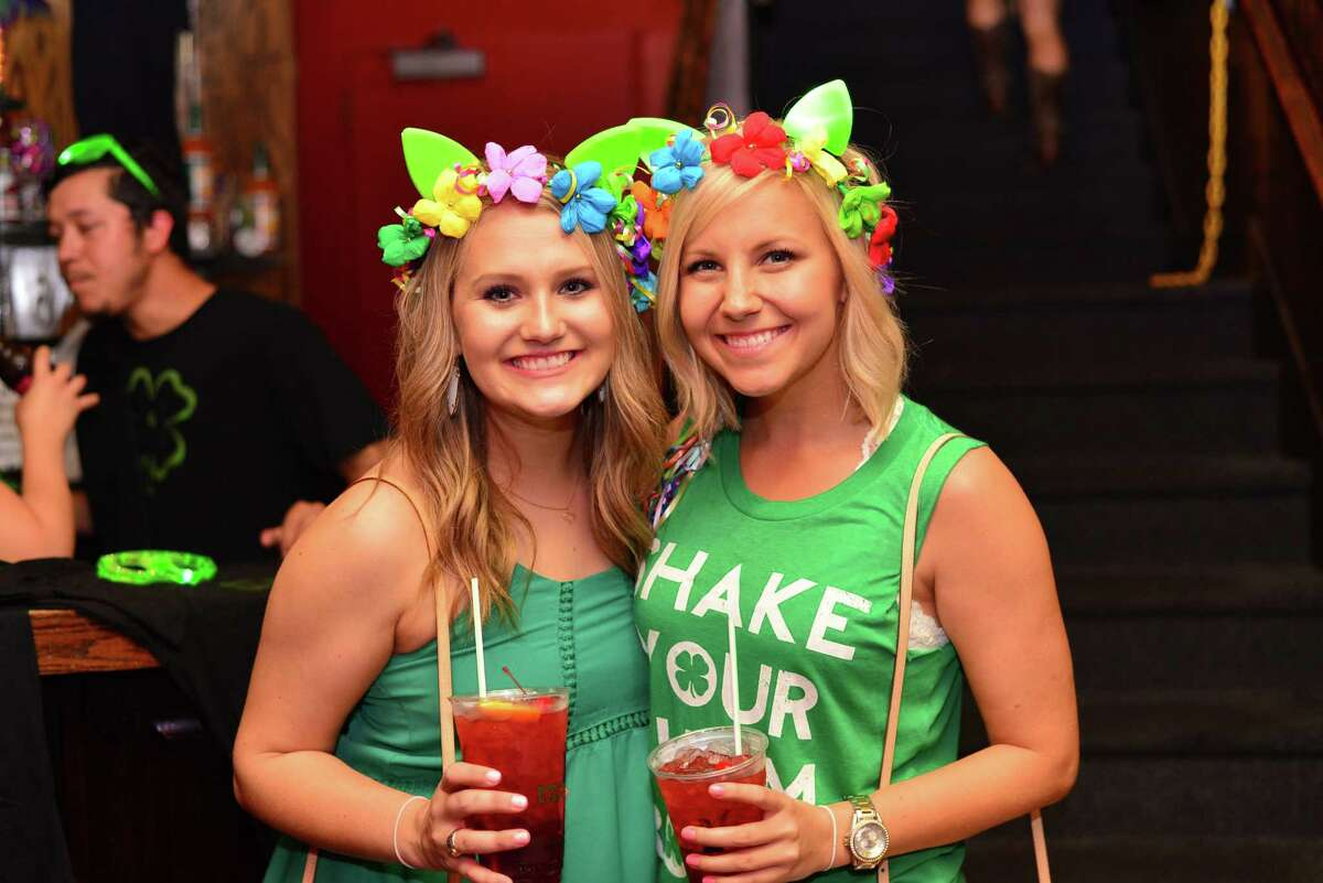 A wee-bit of the brogue slipped into college night at Pat O'Briens Thursday night as San Antonio celebrated St. Patrick's Day with beer, music and lots of kisses and pinches.